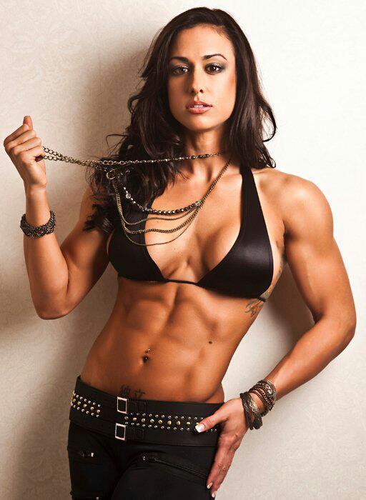 【おっぱい】マッスルボディを手に入れて筋肉隆々なボディビルダーな女性のおっぱい画像がエロすぎる!【30枚】 25
