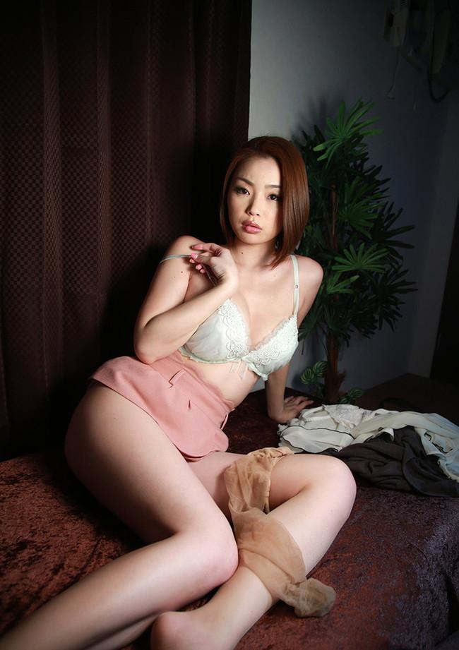【おっぱい】Gカップの巨乳で痴女られたい女優として大人気だったかすみりさちゃんのおっぱい画像がエロすぎる!【30枚】 06