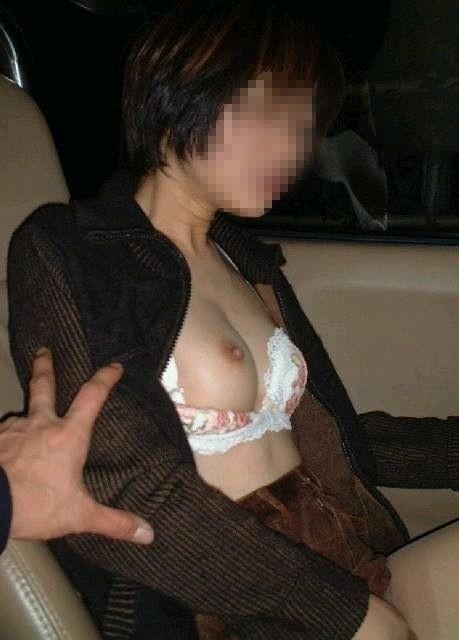 【おっぱい】エッチなことをしたくなっちゃう車の助手席に乗っている女の子のおっぱい画像がエロすぎる!【30枚】 10