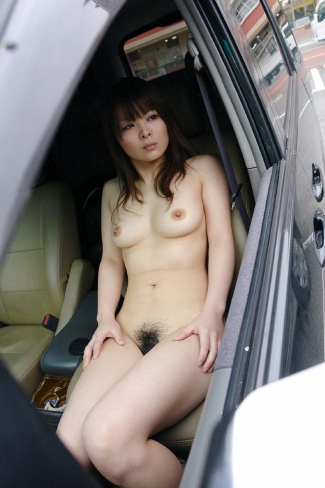 【おっぱい】エッチなことをしたくなっちゃう車の助手席に乗っている女の子のおっぱい画像がエロすぎる!【30枚】 12