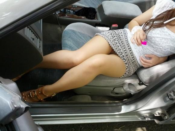 【おっぱい】エッチなことをしたくなっちゃう車の助手席に乗っている女の子のおっぱい画像がエロすぎる!【30枚】 18