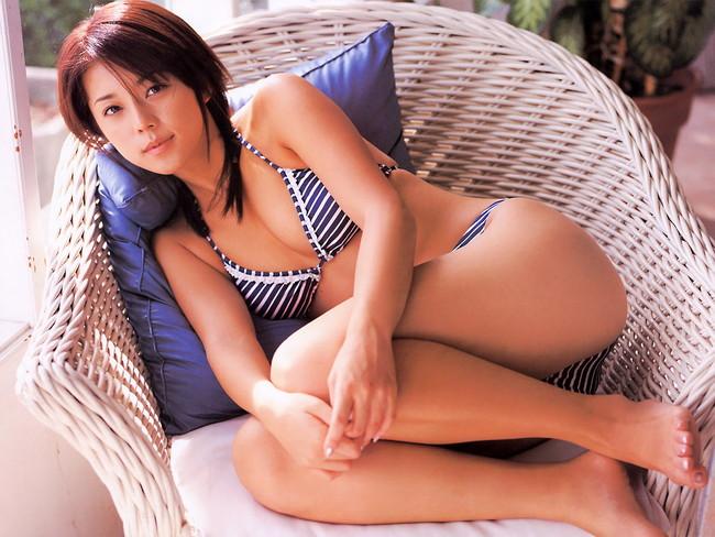 【おっぱい】キャンペーンガールからグラビアまで幅広く活躍していた吉岡美穂さんの画像がエロすぎる!【30枚】 07
