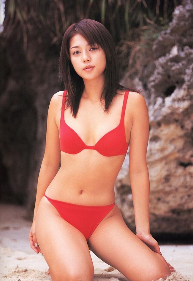 【おっぱい】キャンペーンガールからグラビアまで幅広く活躍していた吉岡美穂さんの画像がエロすぎる!【30枚】 11