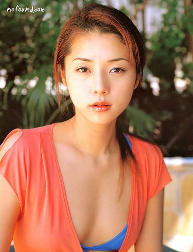 【おっぱい】キャンペーンガールからグラビアまで幅広く活躍していた吉岡美穂さんの画像がエロすぎる!【30枚】 15