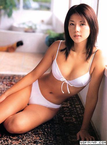 【おっぱい】キャンペーンガールからグラビアまで幅広く活躍していた吉岡美穂さんの画像がエロすぎる!【30枚】 16