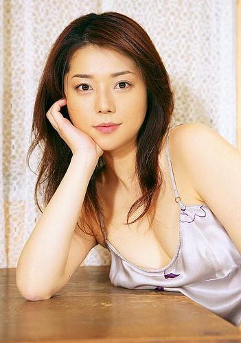 【おっぱい】キャンペーンガールからグラビアまで幅広く活躍していた吉岡美穂さんの画像がエロすぎる!【30枚】 17
