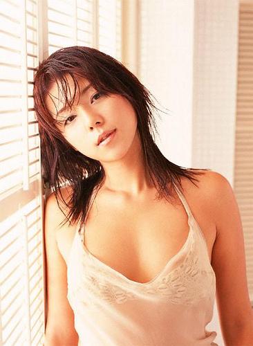 【おっぱい】キャンペーンガールからグラビアまで幅広く活躍していた吉岡美穂さんの画像がエロすぎる!【30枚】 19