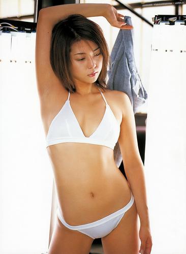 【おっぱい】キャンペーンガールからグラビアまで幅広く活躍していた吉岡美穂さんの画像がエロすぎる!【30枚】 21