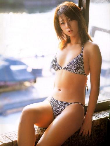 【おっぱい】キャンペーンガールからグラビアまで幅広く活躍していた吉岡美穂さんの画像がエロすぎる!【30枚】 25