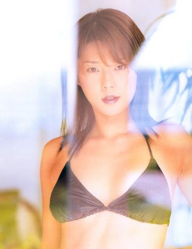 【おっぱい】キャンペーンガールからグラビアまで幅広く活躍していた吉岡美穂さんの画像がエロすぎる!【30枚】 28