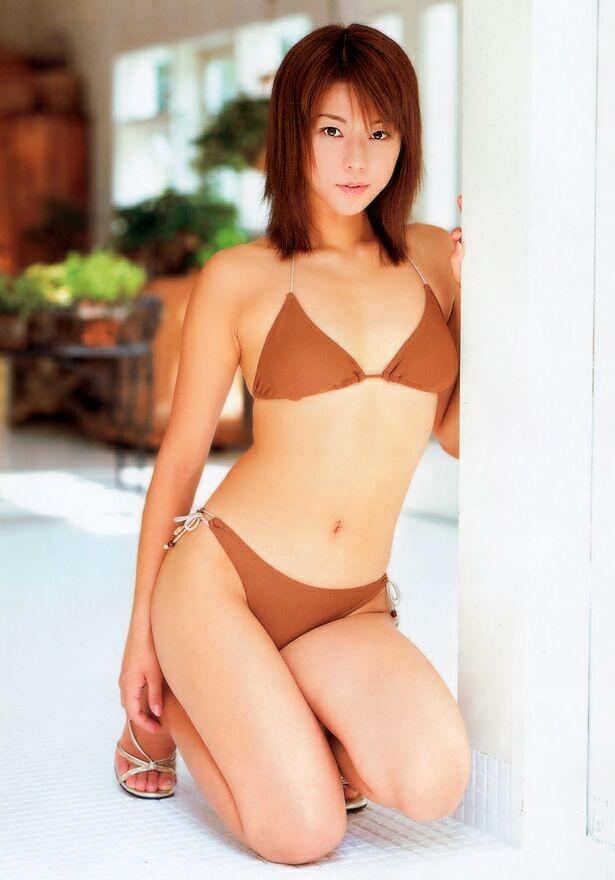 【おっぱい】キャンペーンガールからグラビアまで幅広く活躍していた吉岡美穂さんの画像がエロすぎる!【30枚】 29