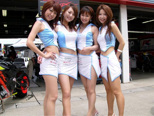 【おっぱい】モータースポーツを盛り上げてくれるレースクイーンの女の子たちのおっぱい画像がエロすぎる!【30枚】 07