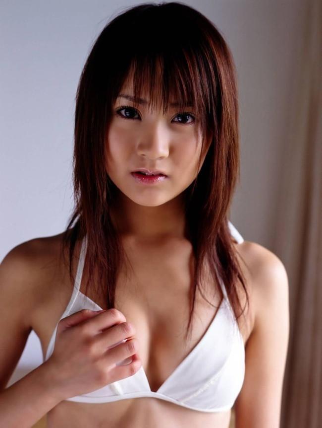 【おっぱい】芸歴も重ねてグラビアにも味わいが出てきて最高な浜田翔子ちゃんのおっぱい画像がエロすぎる!【30枚】 25