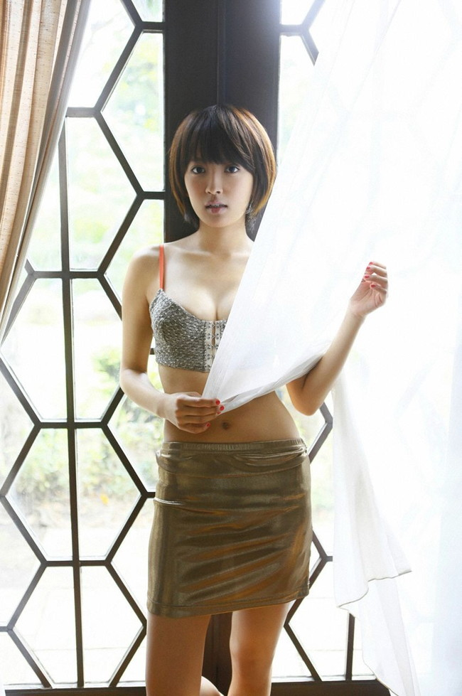 【おっぱい】女優としてもグラビアでもタレントとして大活躍中の夏菜さんの画像がエロすぎる!【30枚】 14