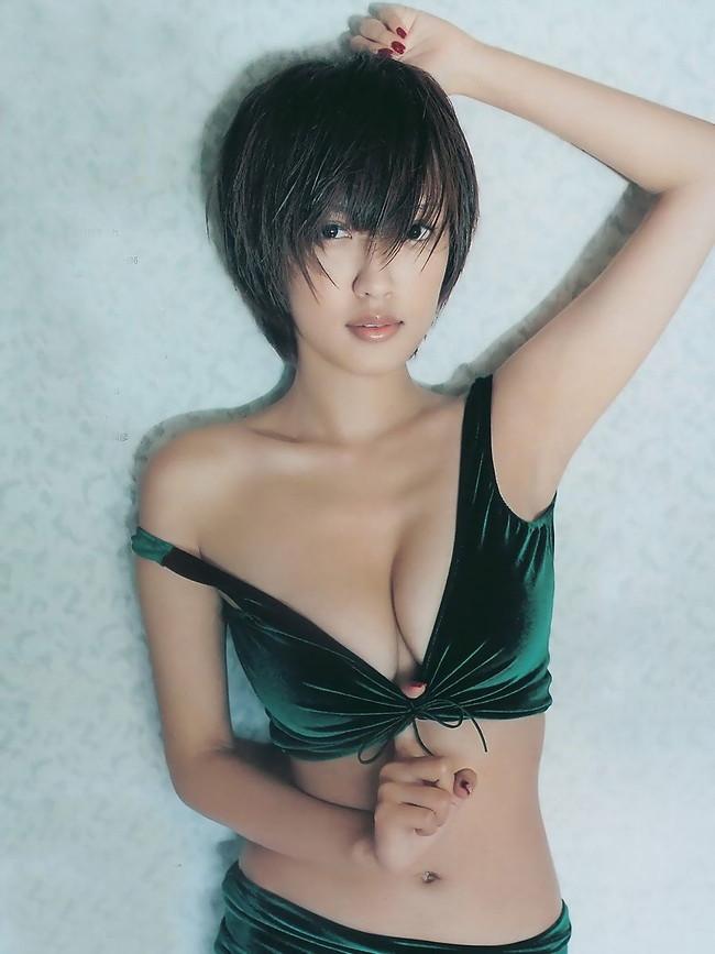 【おっぱい】女優としてもグラビアでもタレントとして大活躍中の夏菜さんの画像がエロすぎる!【30枚】 20