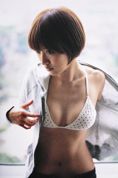 【おっぱい】女優としてもグラビアでもタレントとして大活躍中の夏菜さんの画像がエロすぎる!【30枚】 26