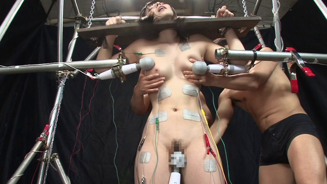 【おっぱい】SMプレイで電流責めをされていっちゃっている女の子のおっぱい画像がエロすぎる!【30枚】 06