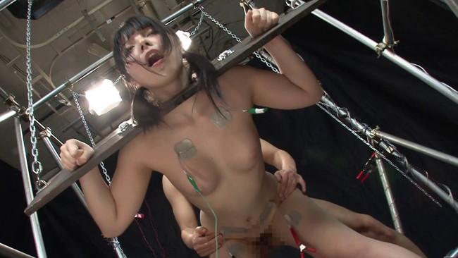 【おっぱい】SMプレイで電流責めをされていっちゃっている女の子のおっぱい画像がエロすぎる!【30枚】 08