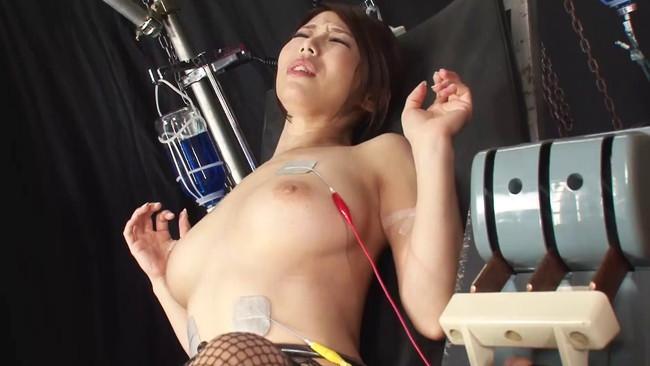 【おっぱい】SMプレイで電流責めをされていっちゃっている女の子のおっぱい画像がエロすぎる!【30枚】 10