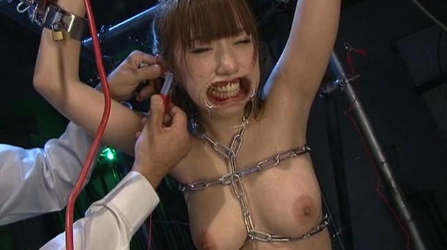 【おっぱい】SMプレイで電流責めをされていっちゃっている女の子のおっぱい画像がエロすぎる!【30枚】 11