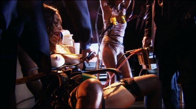 【おっぱい】SMプレイで電流責めをされていっちゃっている女の子のおっぱい画像がエロすぎる!【30枚】 15
