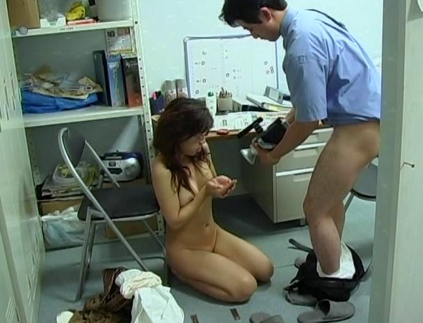 【おっぱい】万引きをしたら体で何もかも払わされた女性のおっぱい画像がエロすぎる!【30枚】 06