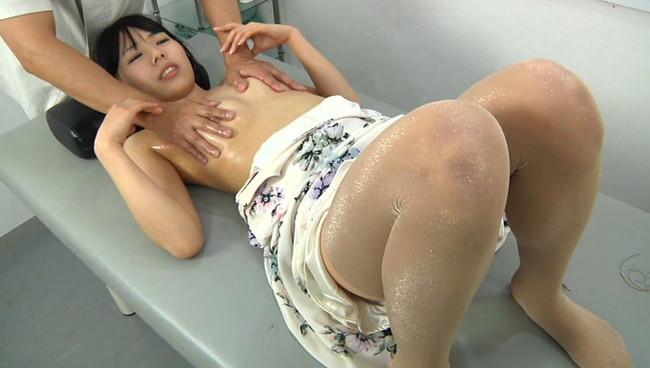 【おっぱい】乳首エステでマッサージされて感じちゃっている女性のおっぱい画像がエロすぎる!【30枚】 08