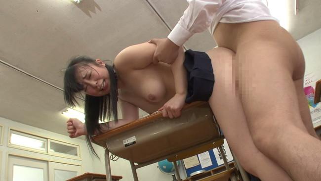 【おっぱい】教室や学校でセックスしちゃった!大好きな女子校生の女の子のおっぱい画像がエロすぎる!【30枚】 09