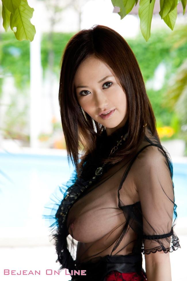 【おっぱい】Jカップの爆乳で大人気なAV女優・菅野さゆきさんの大きなおっぱい画像がエロすぎる!【30枚】 09