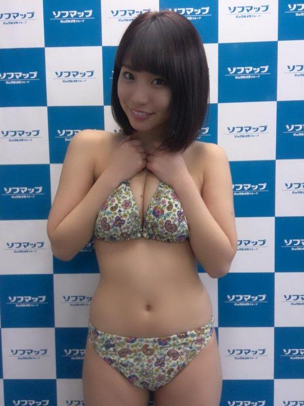 【おっぱい】ダンスユニットに所属しているFカップ巨乳グラビアアイドルの久松かおりちゃんのおっぱい画像がエロすぎる!【30枚】 15