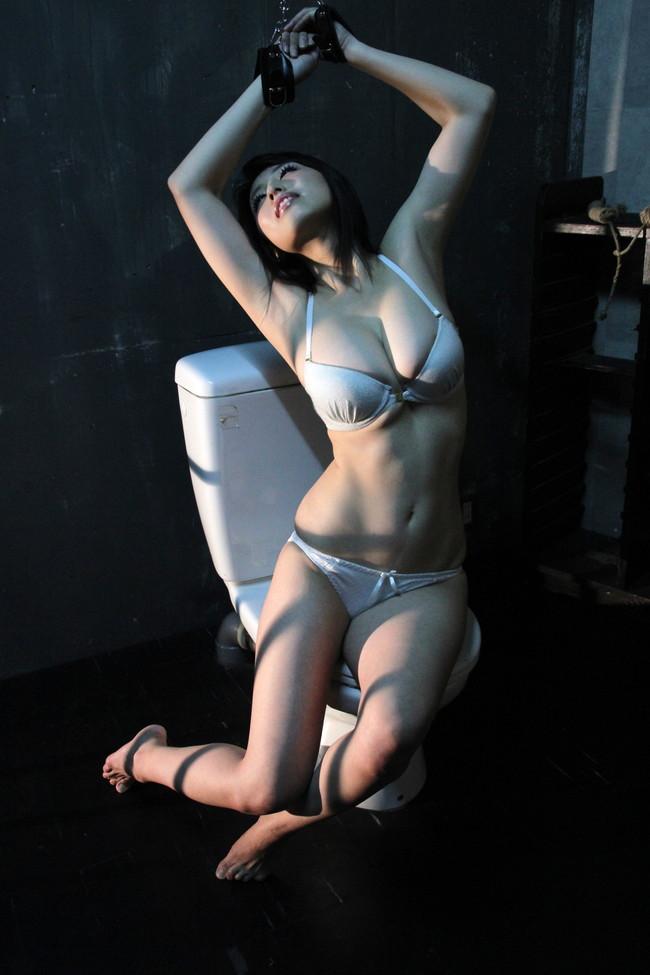 【おっぱい】引退したものの写真集も映画も大ヒットを記録し続けている坂ノ上朝美ちゃんのおっぱい画像がエロすぎる!【30枚】