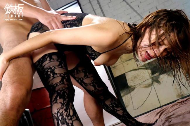 【おっぱい】セックスも終盤!激しい腰使い、高速ピストンでイっちゃう寸前な女の子のおっぱい画像がエロすぎる!【30枚】