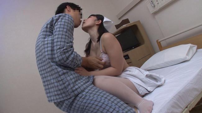 【おっぱい】性欲が溜まっていて我慢できなくてセックスしちゃった看護婦さんのおっぱい画像がエロすぎる!【30枚】 03