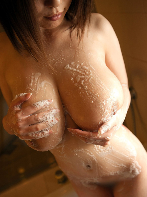 【おっぱい】女の子と一緒にはいるお風呂でのおっぱいがエロすぎる! 03