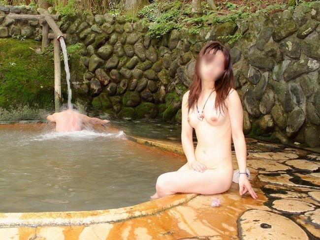 【おっぱい】露天風呂で油断した女がおっぱいを丸出しでエロすぎる! 23