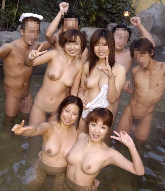 【おっぱい】露天風呂で油断した女がおっぱいを丸出しでエロすぎる! 25