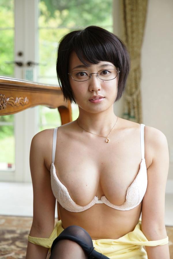 【おっぱい】メガネをかけた淫乱女のおっぱいが妖艶でエロすぎる!【30枚】