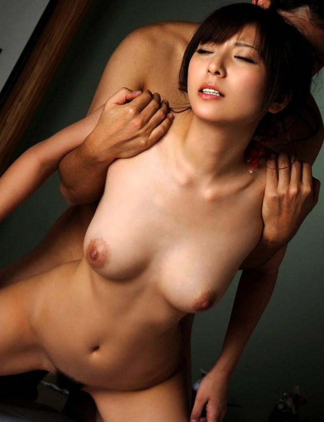 【おっぱい】揺れるおっぱい!激しく突かれ続ける女がエロすぎる!【30枚】 13