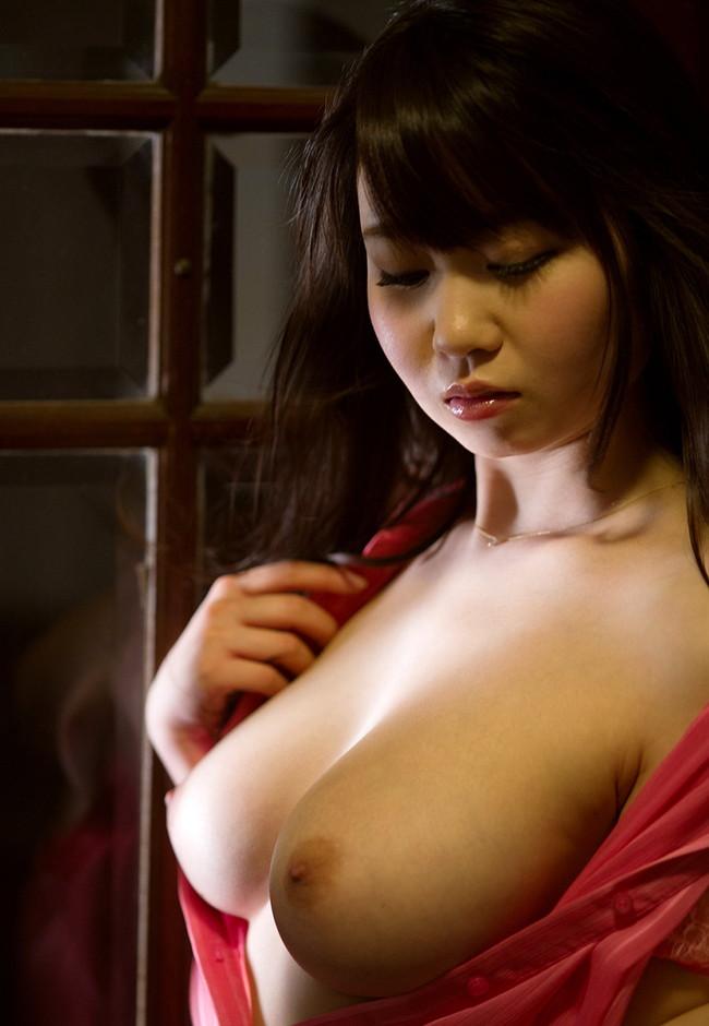 【おっぱい】夢乃あいかの触りたくなるぷるぷるおっぱいがエロすぎる!【30枚】 25
