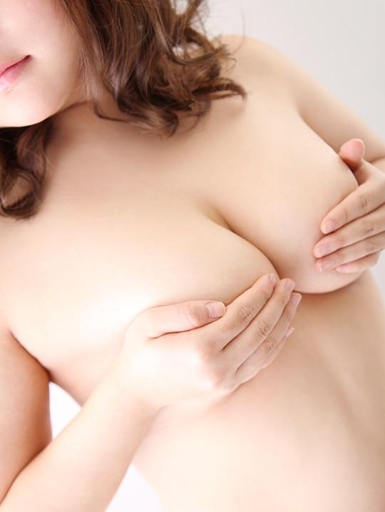 【おっぱい】デリヘル嬢の爆乳がわかるパネ写がエロすぎる!【30枚】 13