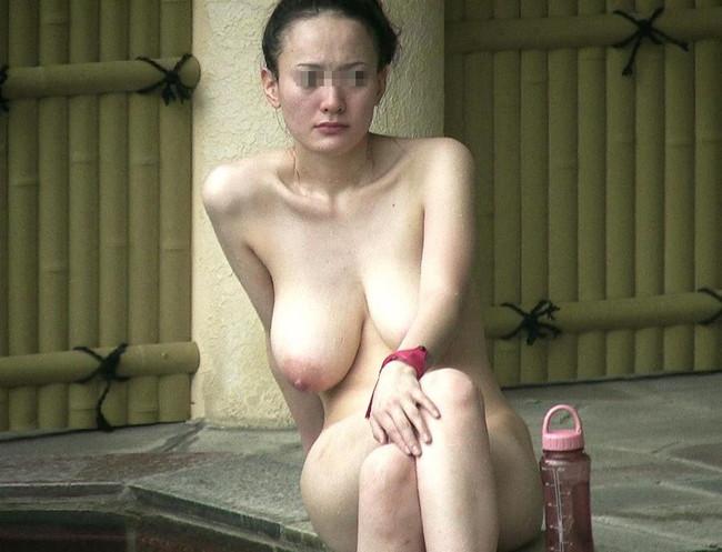 【おっぱい】禁断の花園・女湯でおっぱいを丸出しにする女がエロすぎる【30枚】 15