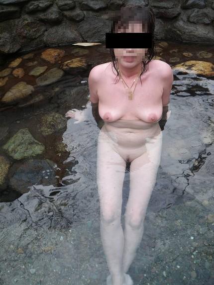 【おっぱい】禁断の花園・女湯でおっぱいを丸出しにする女がエロすぎる【30枚】 25