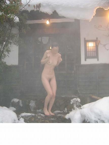 【おっぱい】禁断の花園・女湯でおっぱいを丸出しにする女がエロすぎる【30枚】 30