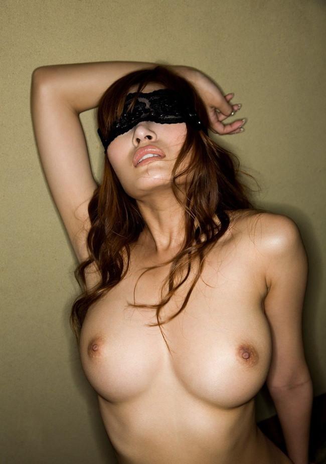 【おっぱい】アイマスクをつけられてされるがままのおっぱいがエロすぎる【30枚】 22