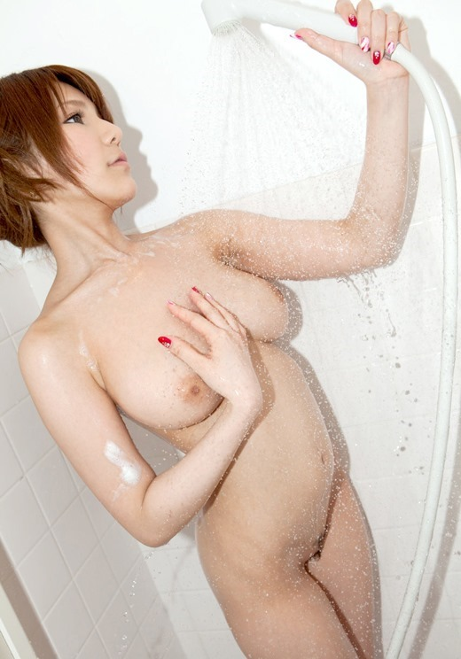 【おっぱい】水を弾くほどの弾力をもったおっぱいが濡れ濡れでエロすぎる【30枚】 19