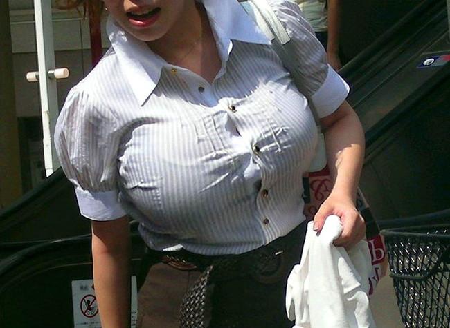 【おっぱい】巨乳がワイシャツやブラウスを着てる姿がエロすぎる!【30枚】 23