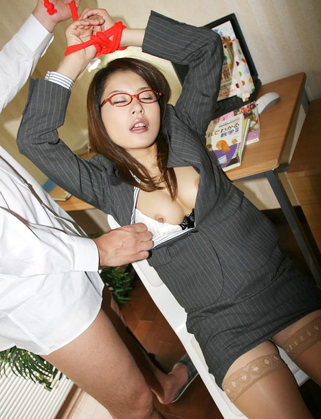 【おっぱい】性教育担当の爆乳家庭教師がエロすぎる!【30枚】 07