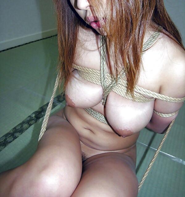 【おっぱい】縄でガッチガチにしばられてるM女のおっぱいがエロすぎる【30枚】 09