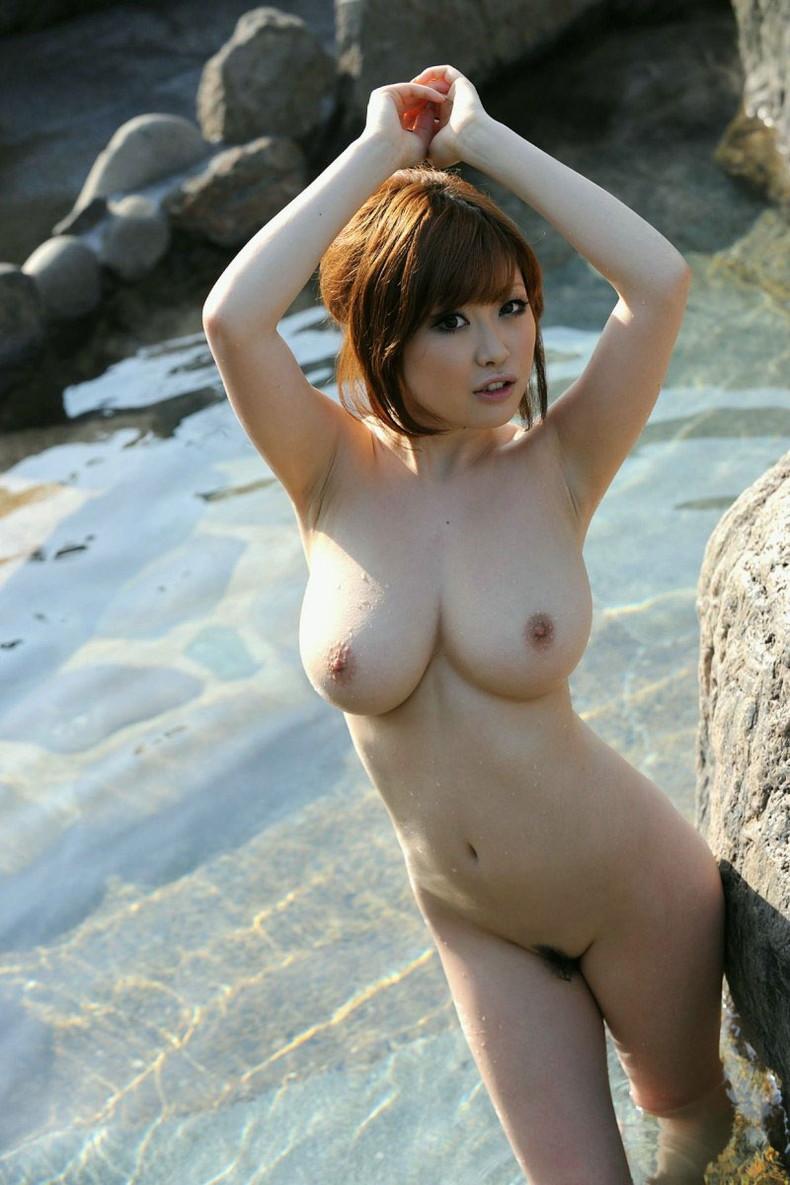 【おっぱい】全裸でお風呂にはいる女の子のおっぱいがやっぱりエロすぎる【30枚】 27