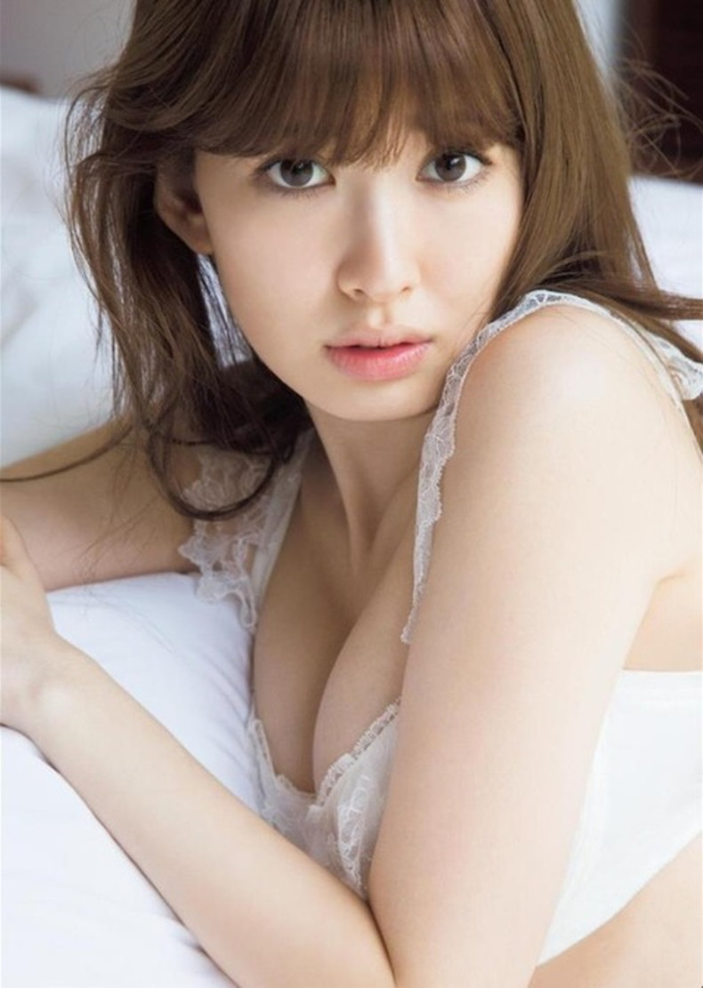 【おっぱい】小嶋陽菜の爆乳おっぱいがマジで抜けるほどエロすぎる【30枚】 04